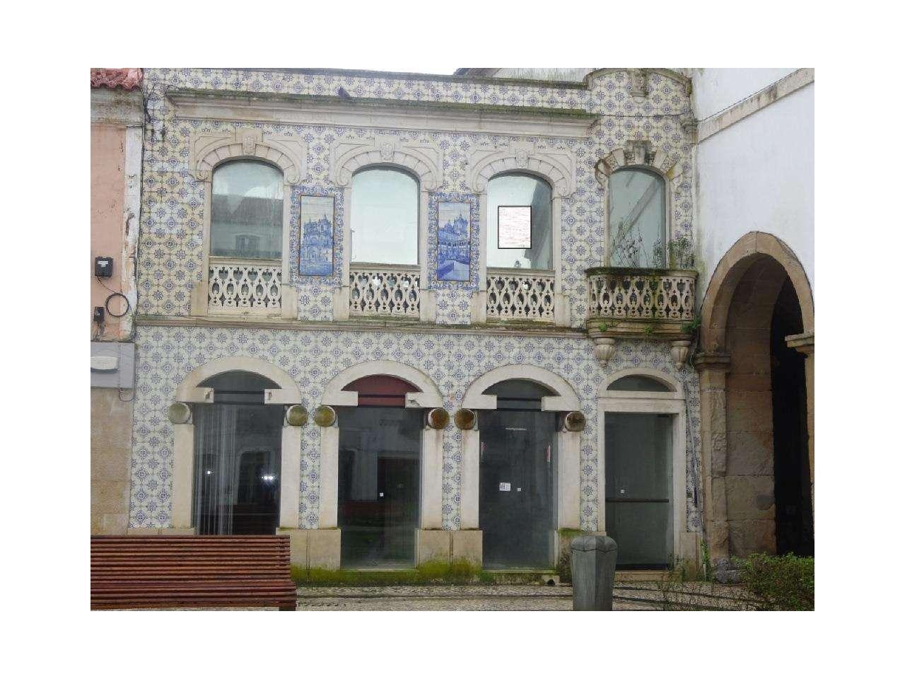 Loja para comprar, Alcobaça e Vestiaria, Leiria - Foto 1
