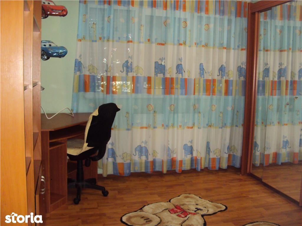 Apartament 3 camere, et 4,acoperis, CT, liber