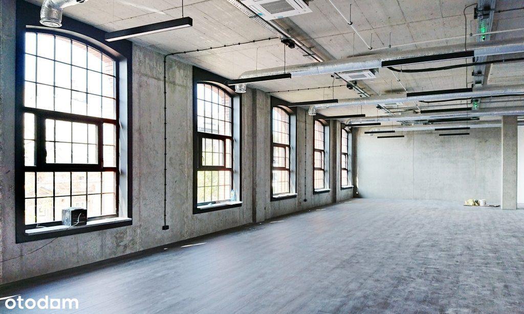 Biuro w centrum w nowym pofabrycznym biurowcu
