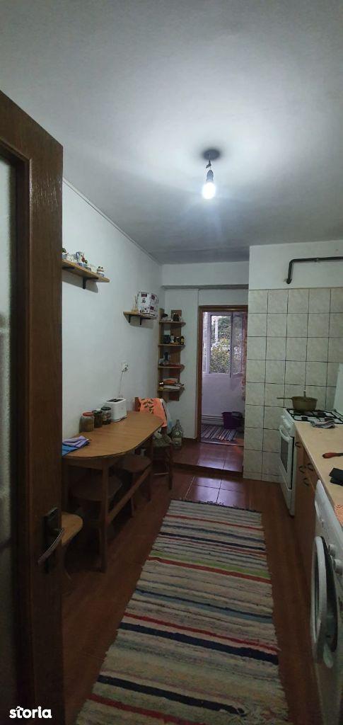 Apartament 2 camere Mazepa 2, etaj 1, centrala termica