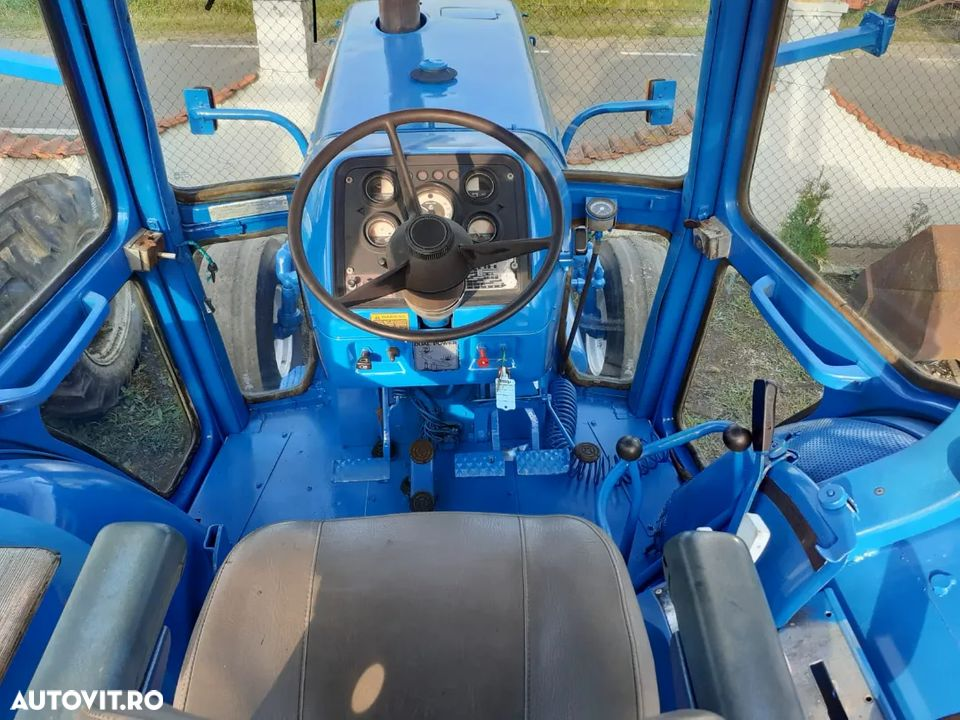 Ford 8700 - 6