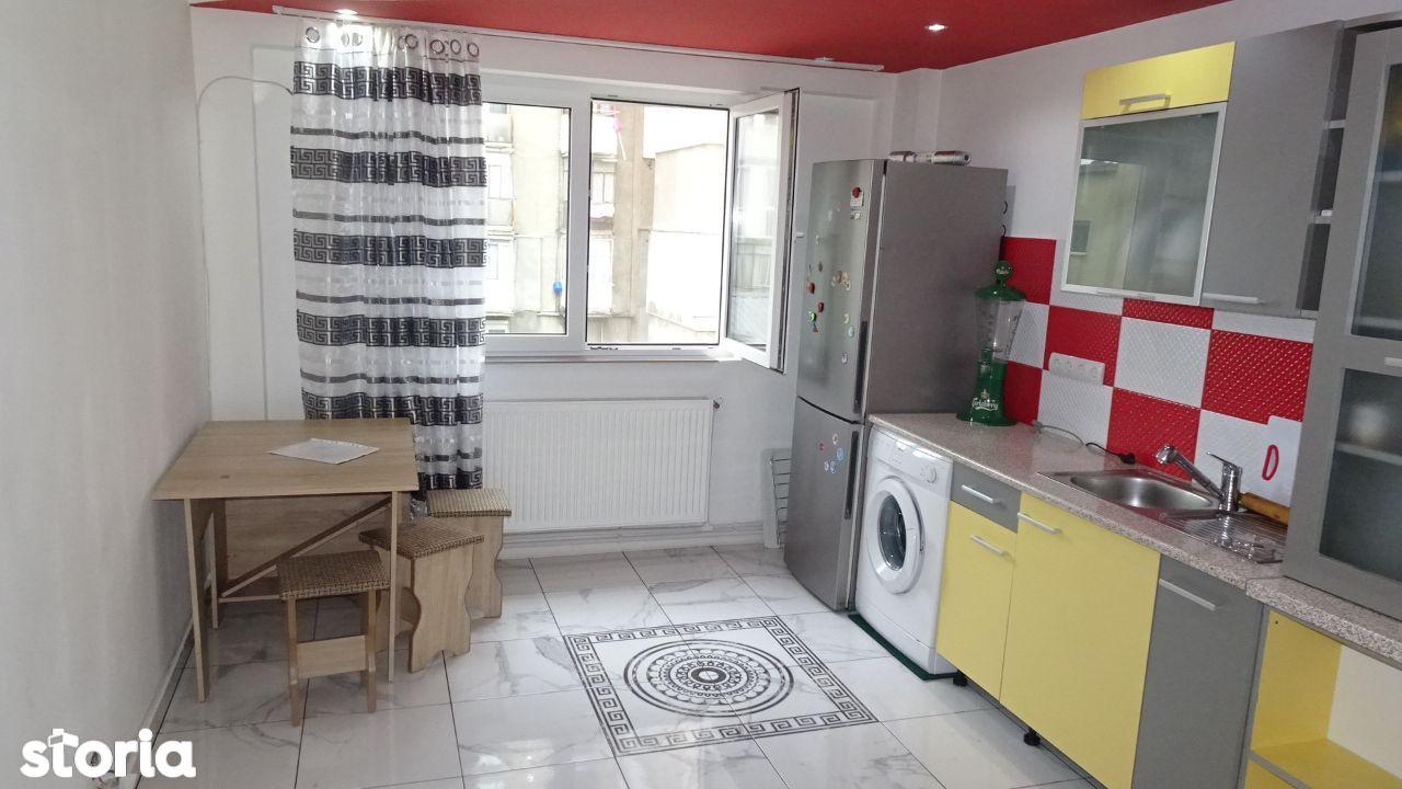 Vand apartament cu 2 camere decomandat in Deva, zona Bejan, parter,