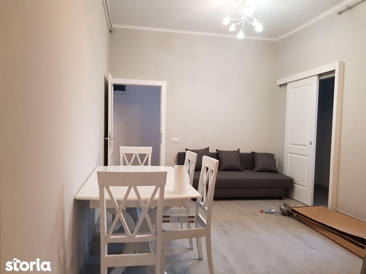 Apartament 3 camere + mansarda, de vanzare, Oradea str. Mimozei