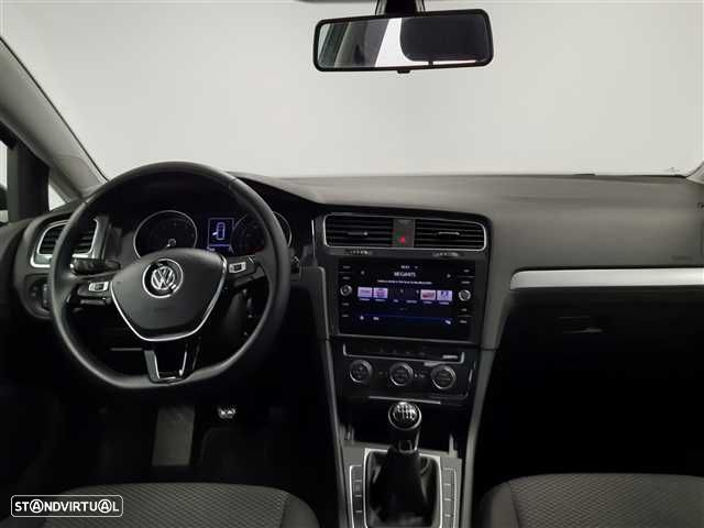 VW Golf 1.0 TSI Trendline Pack - 2
