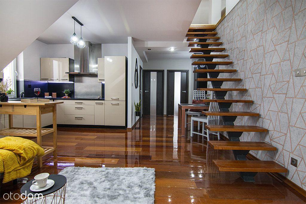 Mieszkanie 2-poziomowe w atrakcyjnej lokalizacji.