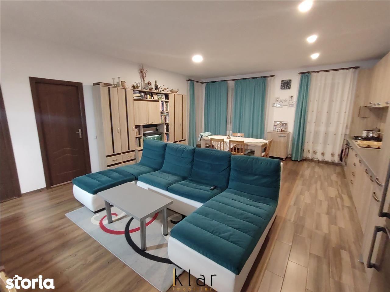 Apartament 3 camere parcare  zona Sub Cetate !