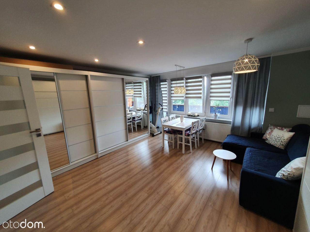 Wyremontowana, umeblowane 2 pokoje z Co i balkonem