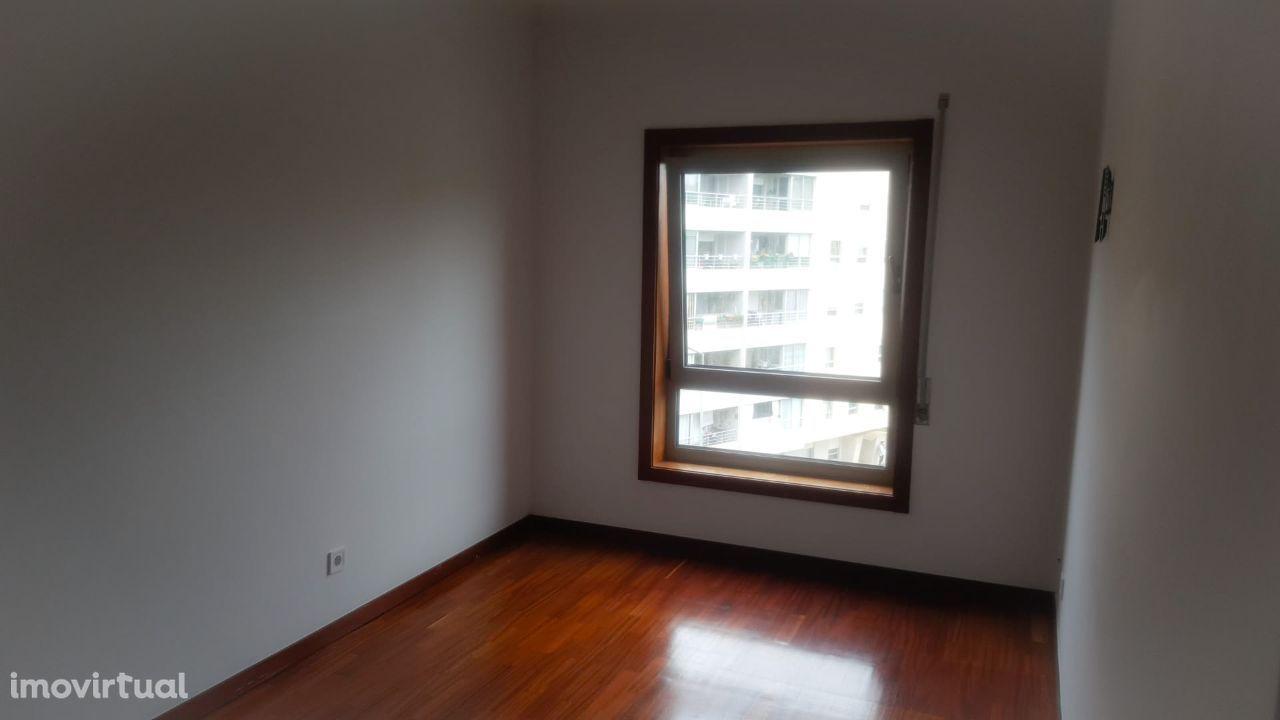 Apartamento T2 - Devesas