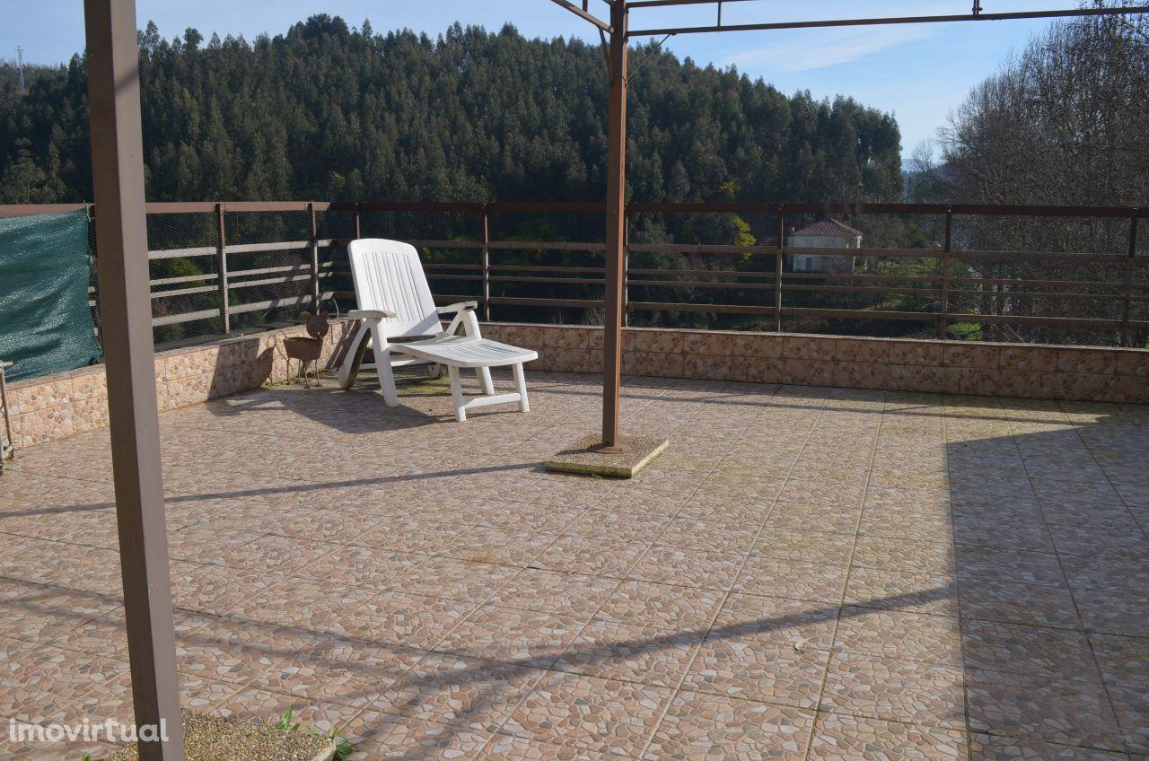 T2 com terraço e vistas de rio - Foz de Sousa / Gondomar