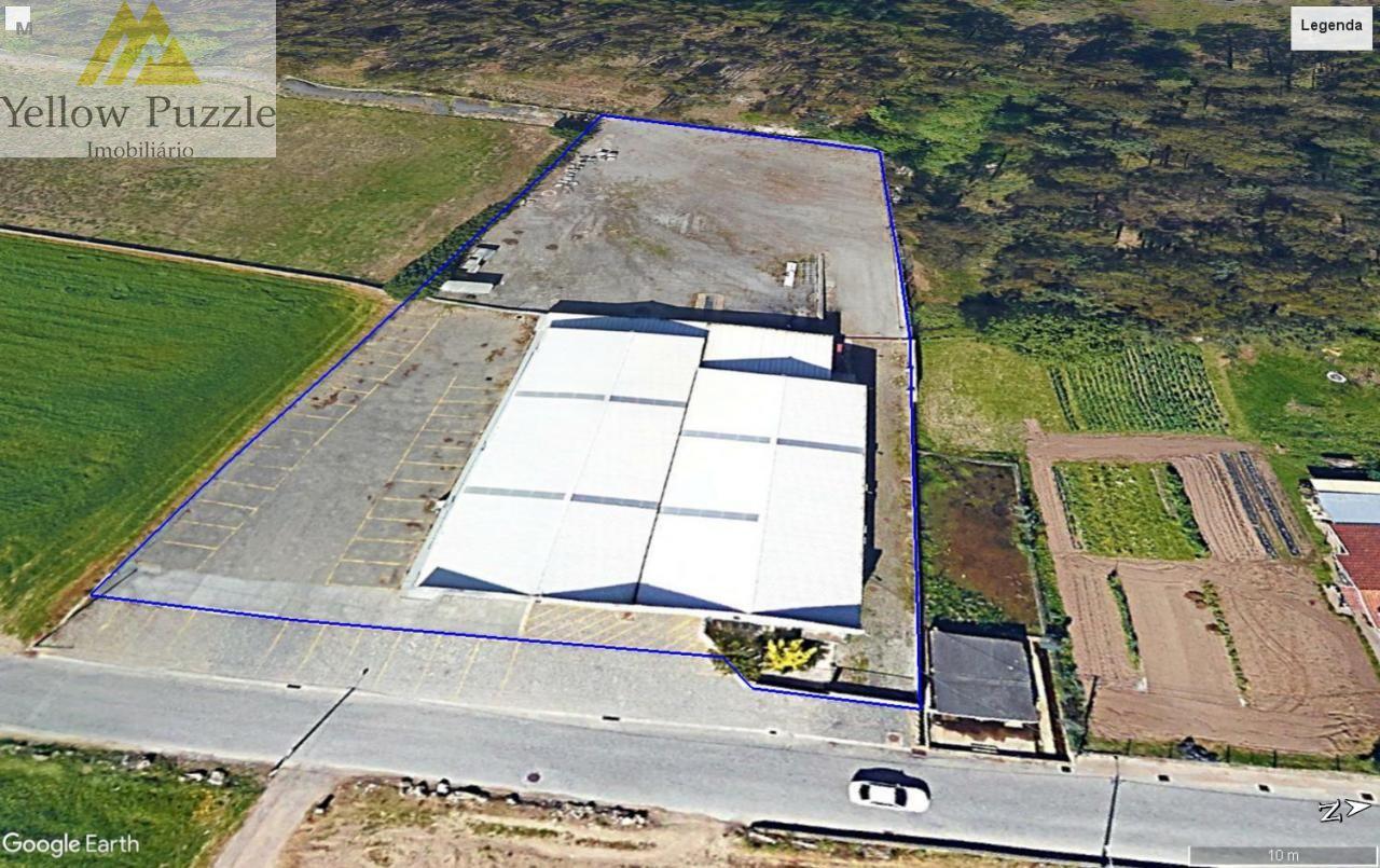 Armazém c/ 4.000 m2 de Logradouro