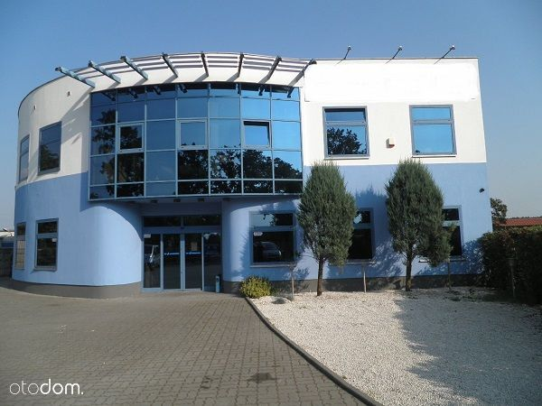 Budynek handlwo-biurowy w Osielsku