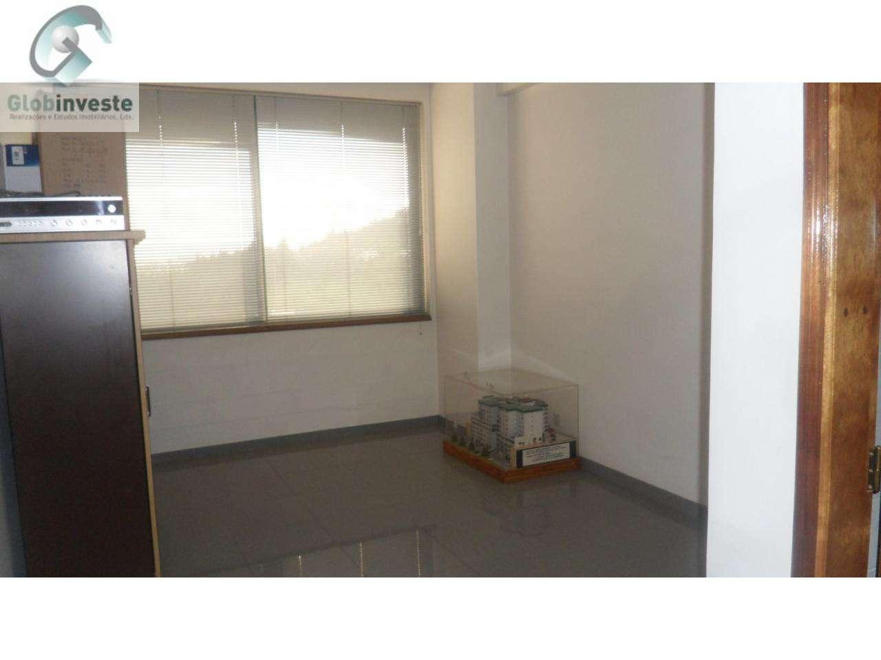 Escritório para arrendar, Espinhosela, Bragança - Foto 2
