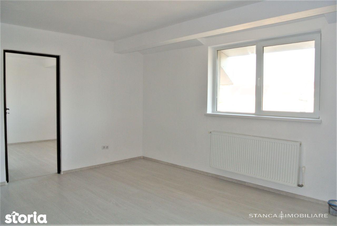 Apartament 3 camere, zona Andrei Muresanu