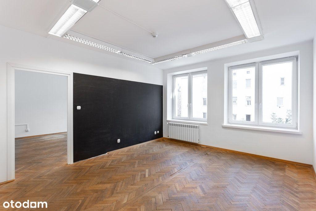 Dobrze doświetlone biuro z 3 gabinetami