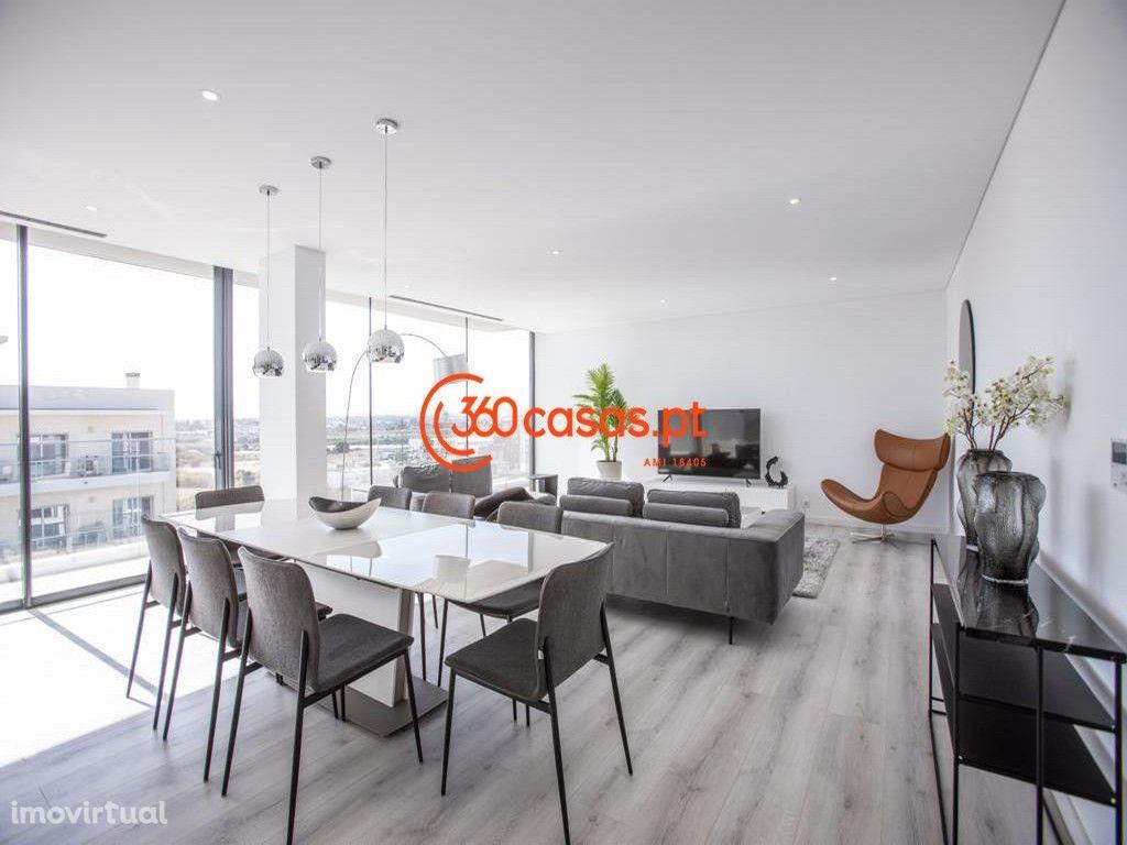 Penthouse T4 Novo com Garagem e Jacuzzi em Faro