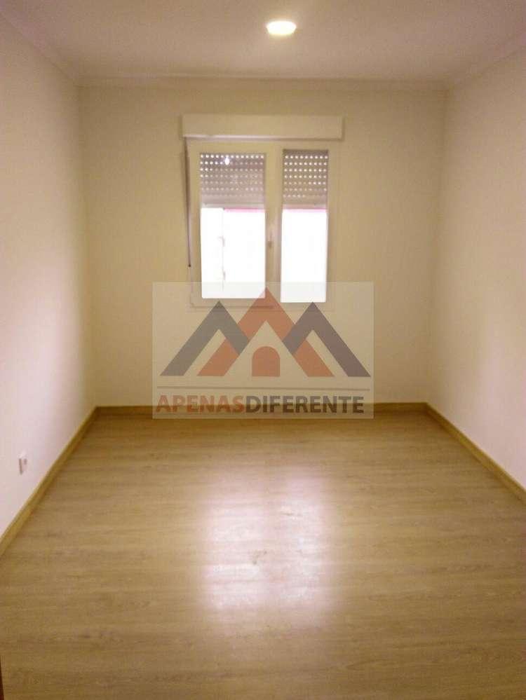 Apartamento para comprar, Santo António dos Cavaleiros e Frielas, Lisboa - Foto 4