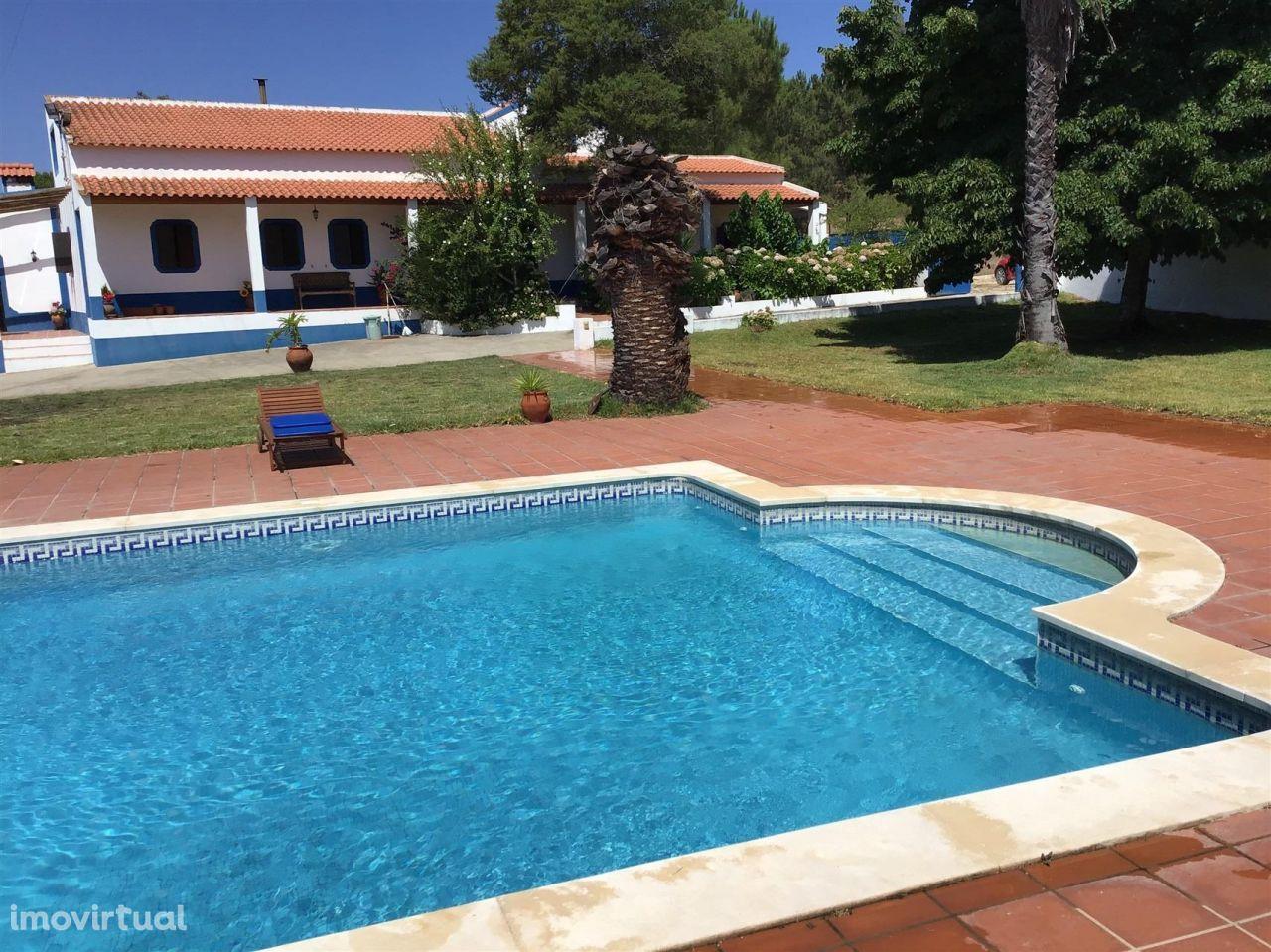 Quinta com piscina e cavalariças em Coruche
