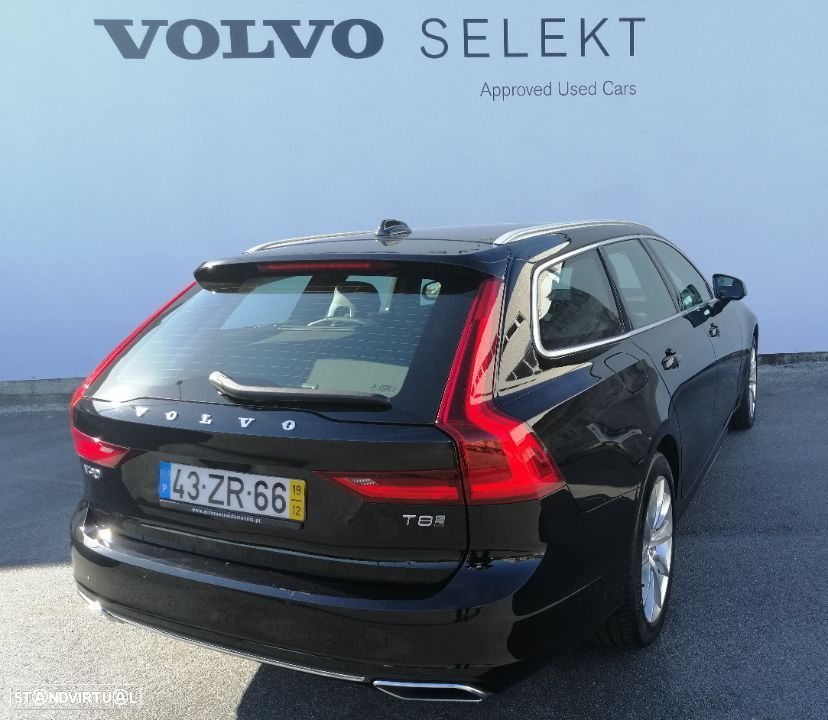Volvo V90 2.0 T8 Momentum Plus AWD Geartronic - 5