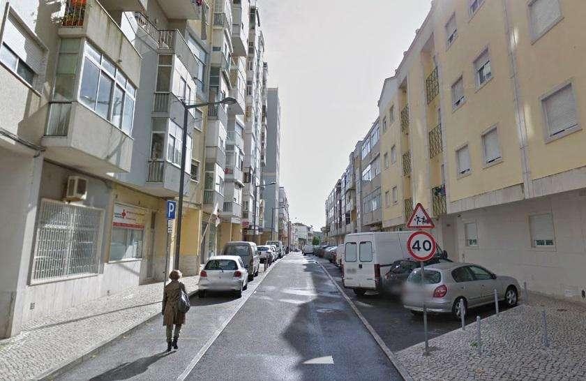 Prédio para comprar, Queluz e Belas, Lisboa - Foto 1