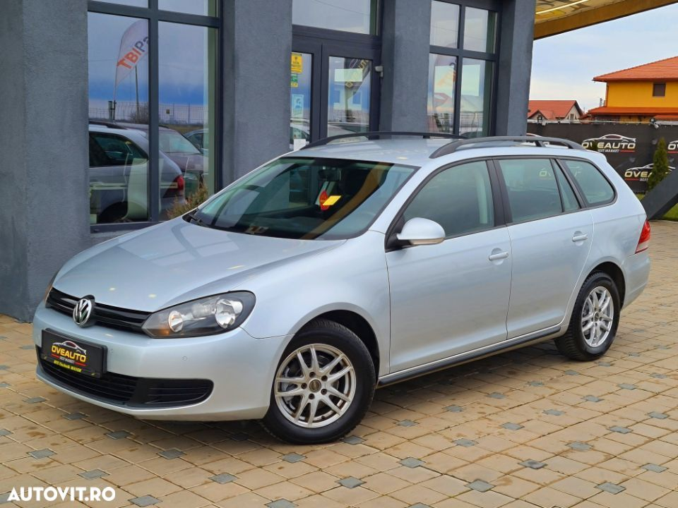 Volkswagen Golf - 8
