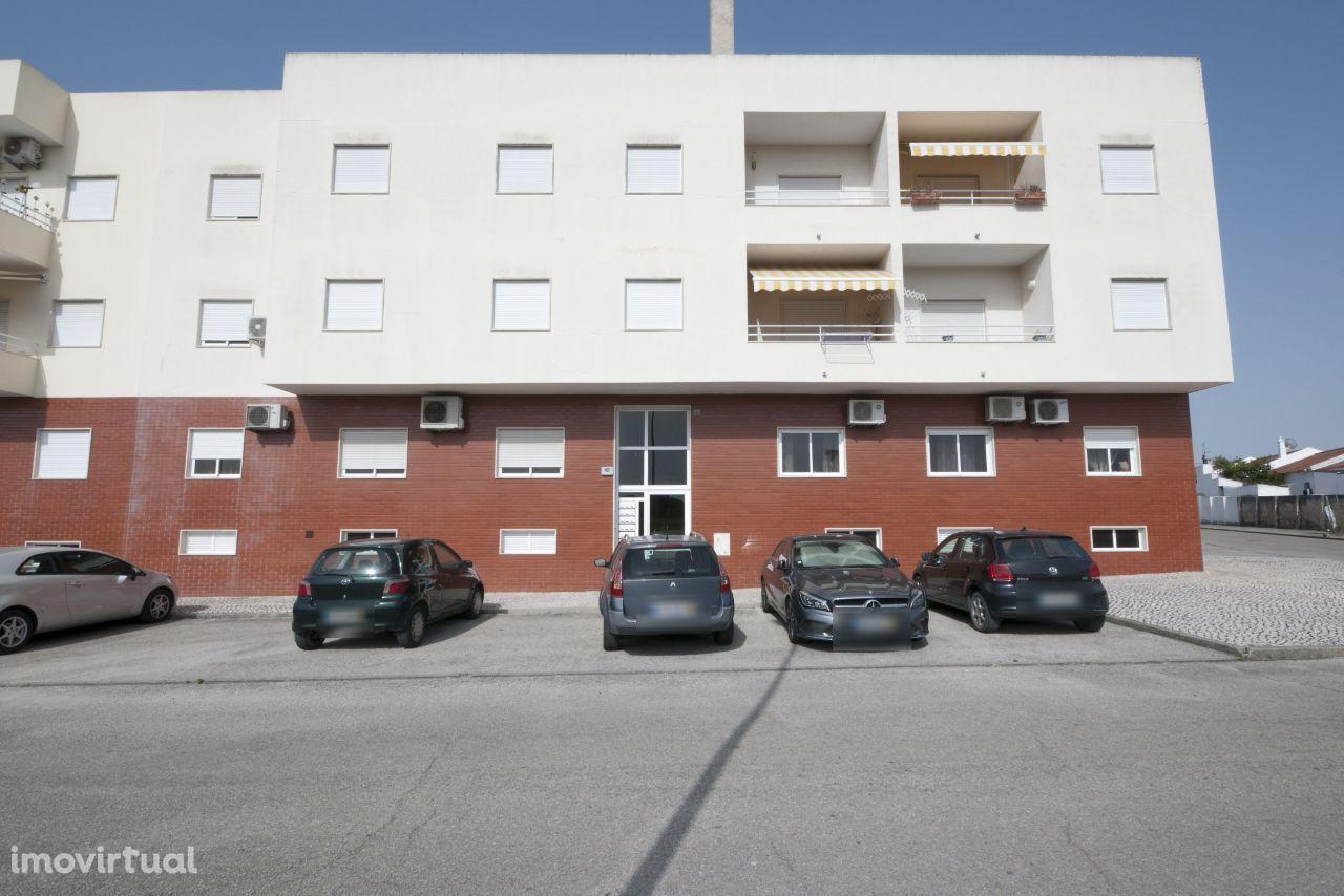 Vendo excelente apartamento T4 com 250 m2 no centro de Vendas Novas
