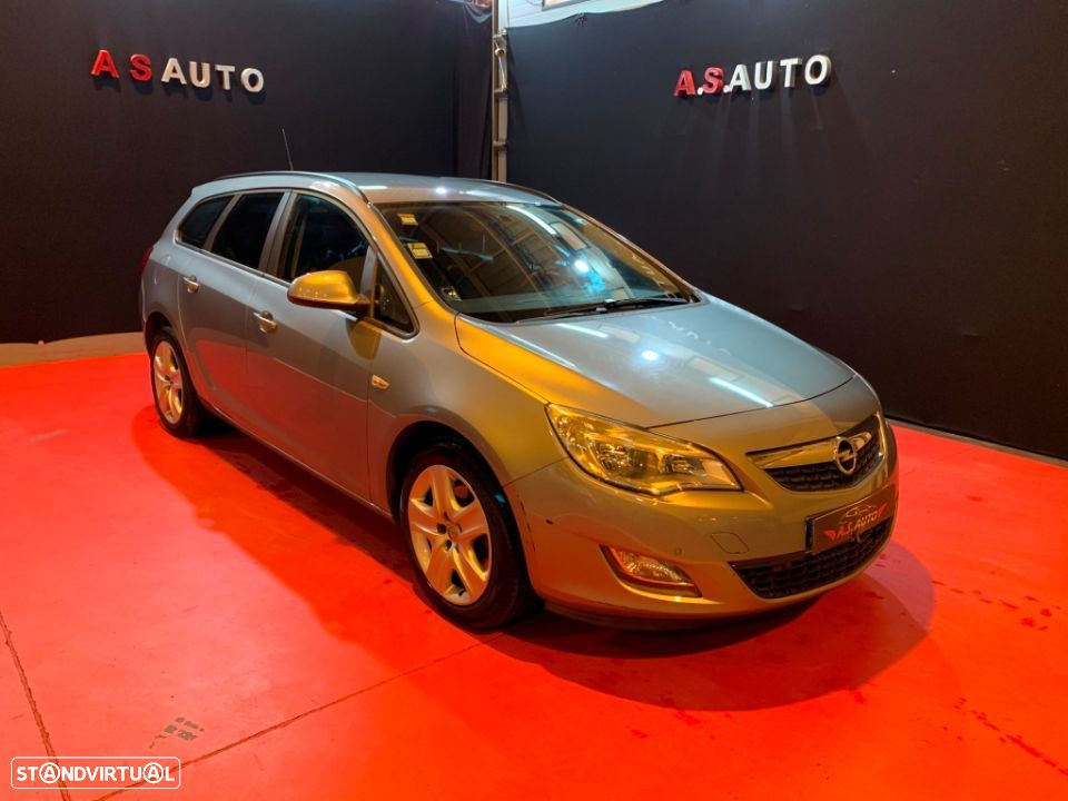 Opel Astra Sports Tourer - 1