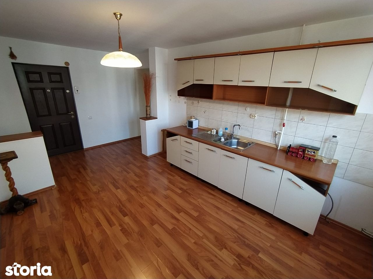 Apartament 2 camere etaj 3 zona Ultracentrala