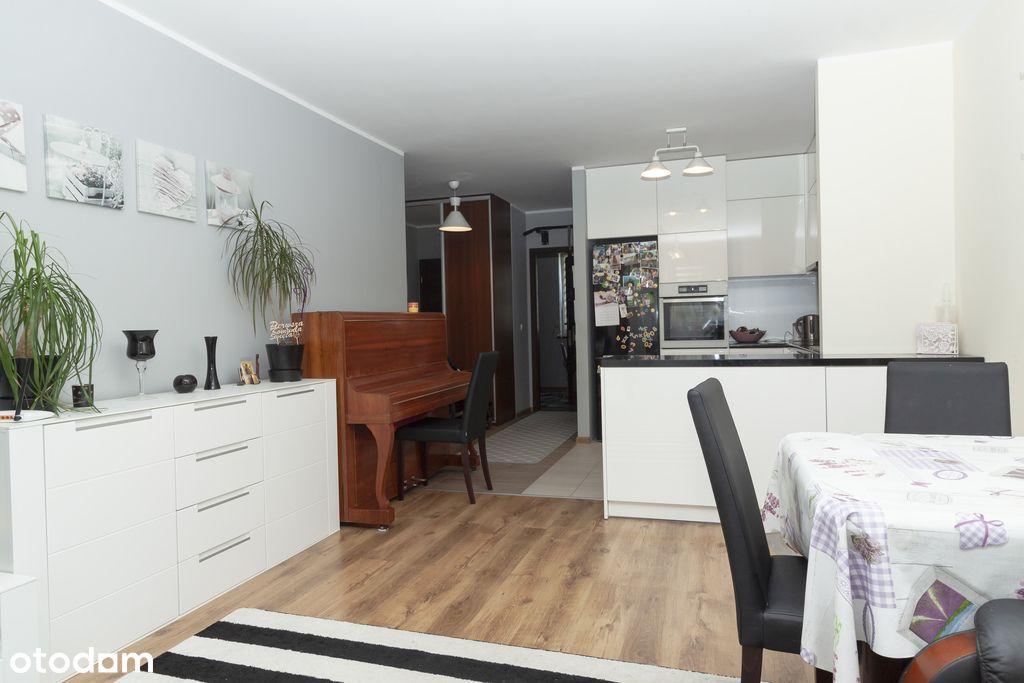 Trzypokojowy apartament z ogrodem w Łomiankach