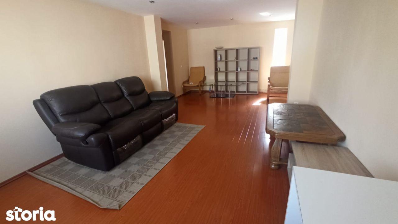 Apartament 3 camere decomandat zona Piata Centrala