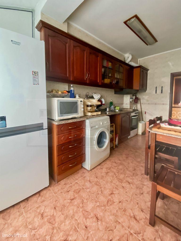 Apartamento T2 à venda em Massamá e Monte Abraão