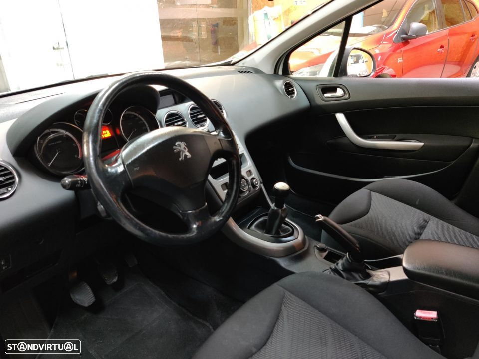 Peugeot 308 SW 1.6 HDi Active - 32