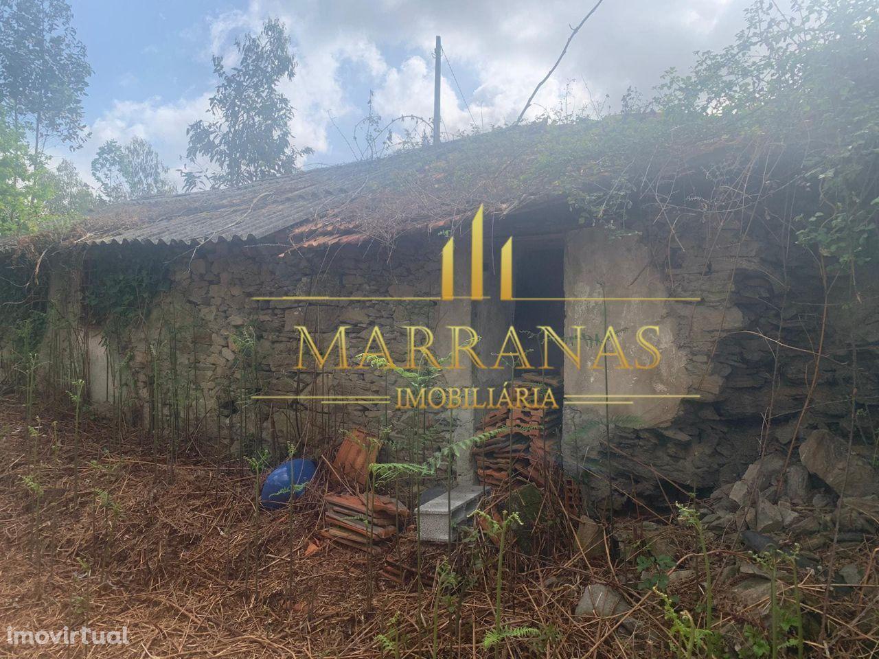Moradia para restauro em Gandra – Paredes