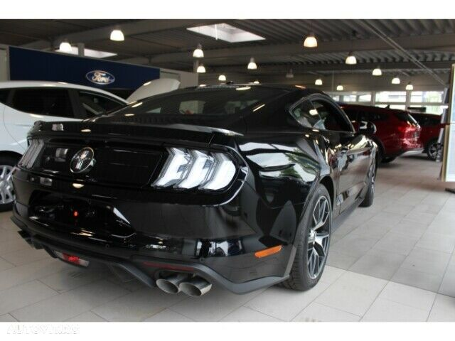 Ford Mustang - 7