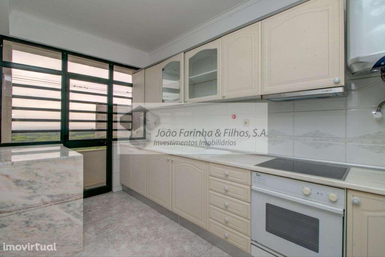 Apartamento para comprar, Rua Fernão de Magalhães, Costa da Caparica - Foto 1