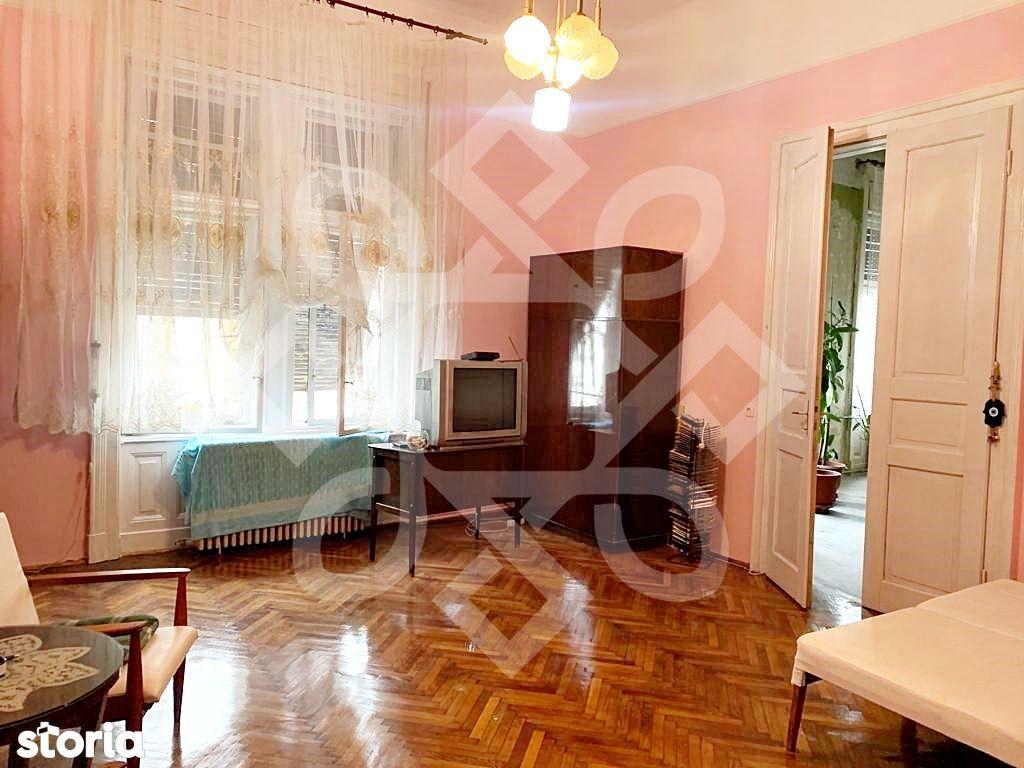 Apartament trei camere de vanzare, ultracentral, Oradea