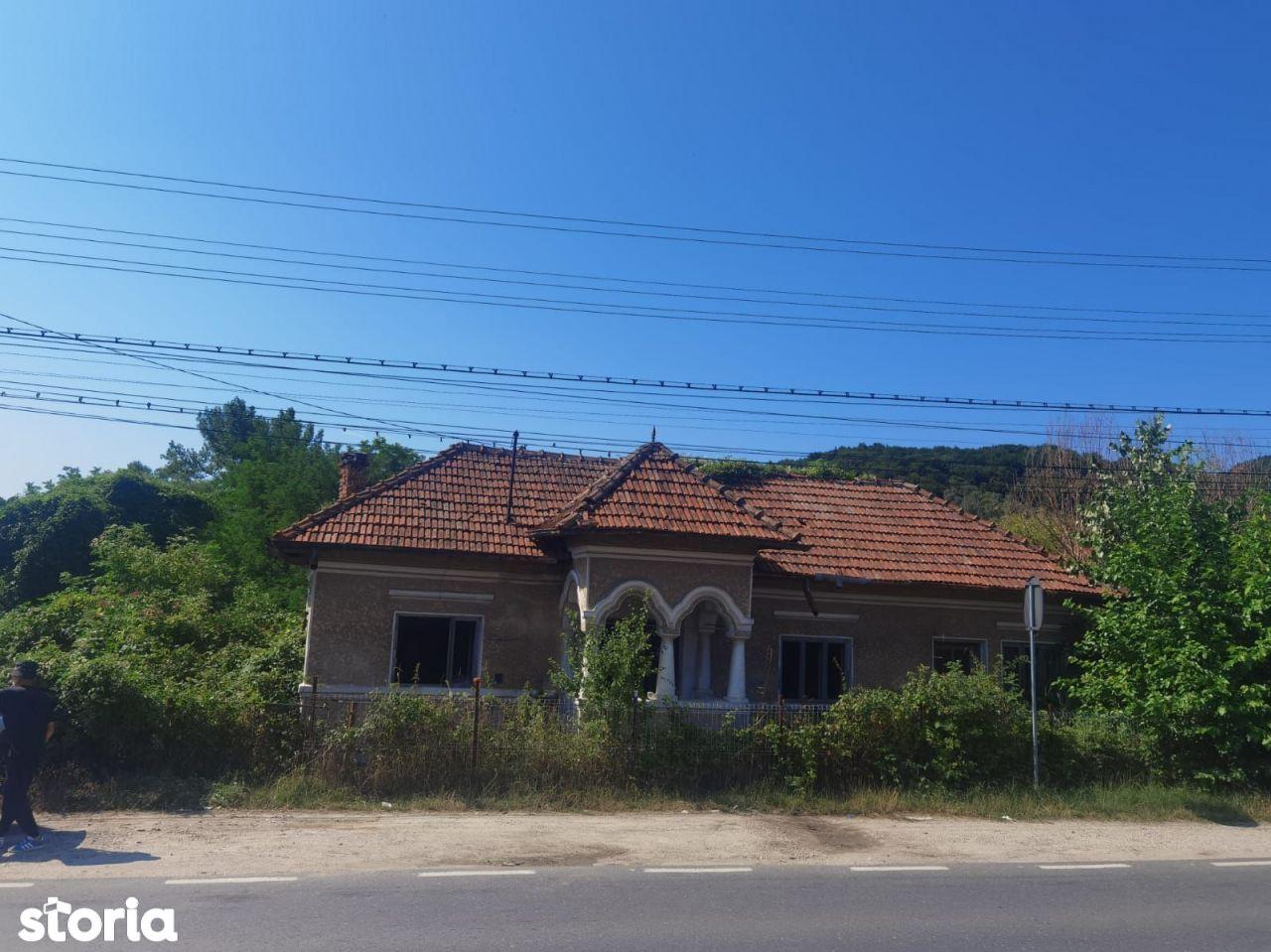 Casa cu teren  zona Vladesti 29000 euro