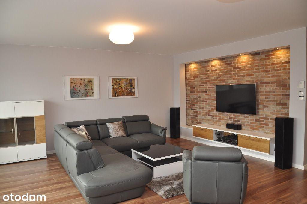 Przestronne mieszkanie w eleganckim apartamentowcu