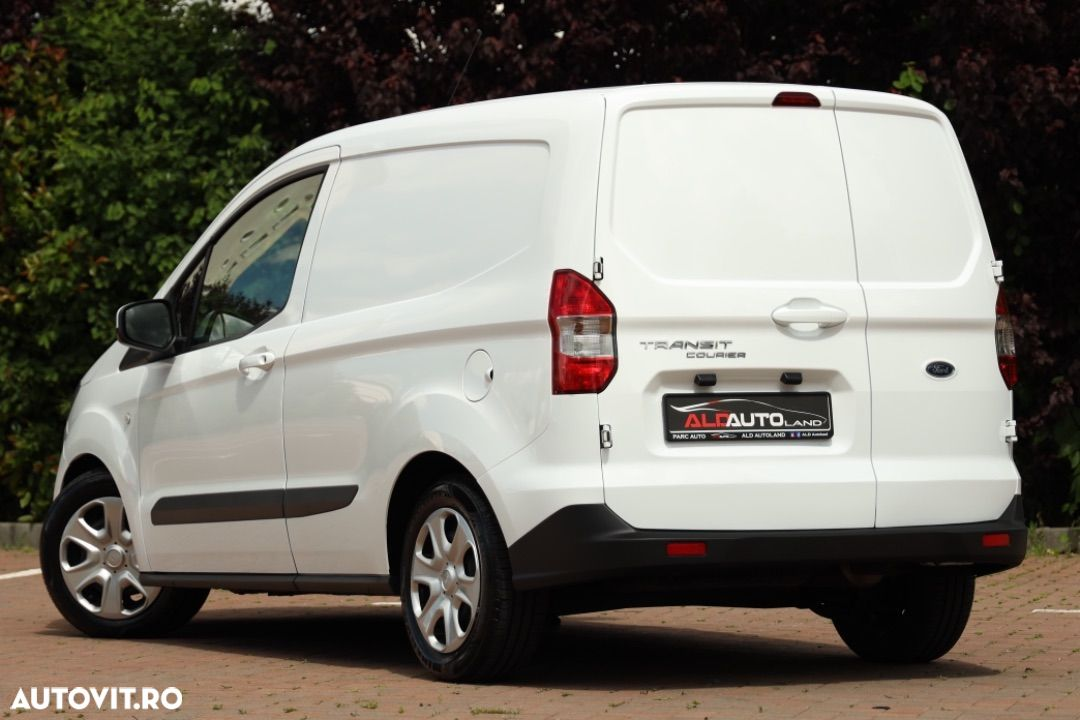 Ford Courier - 2
