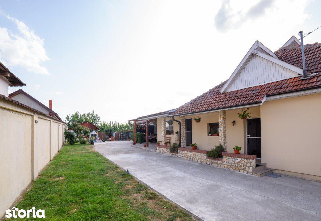 Casa cu teren generos in Odoreu