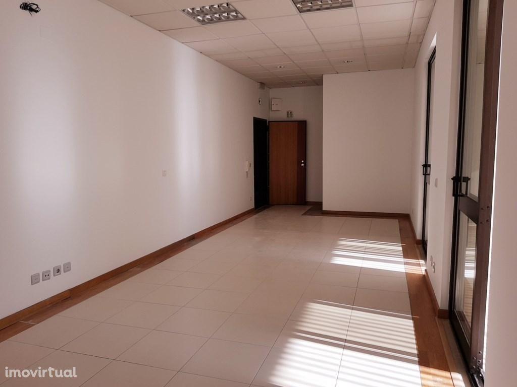 Escritórios de Prestígio à Rodoviária, 60 m2 a 300 m2