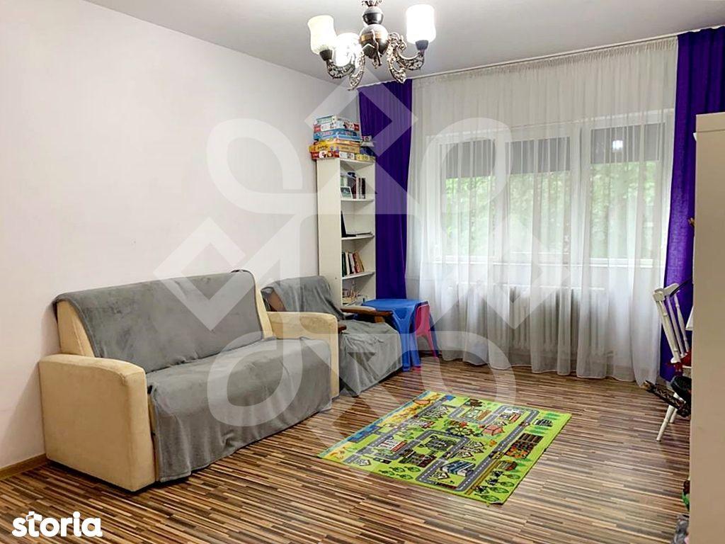 Apartament trei camere de vanzare, etaj II, Rogerius, Oradea