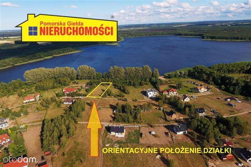 Działka przy jeziorze Radacz.