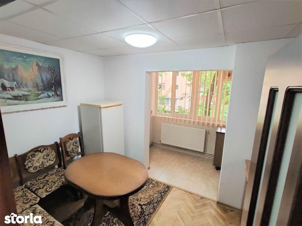 Apartament cu 2 camere, 50mp, decomandat, etaj 1, zona Ciocarliei