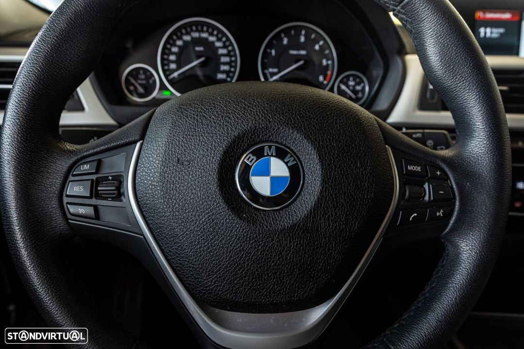 BMW 318 d Touring Ultimate Auto - 15