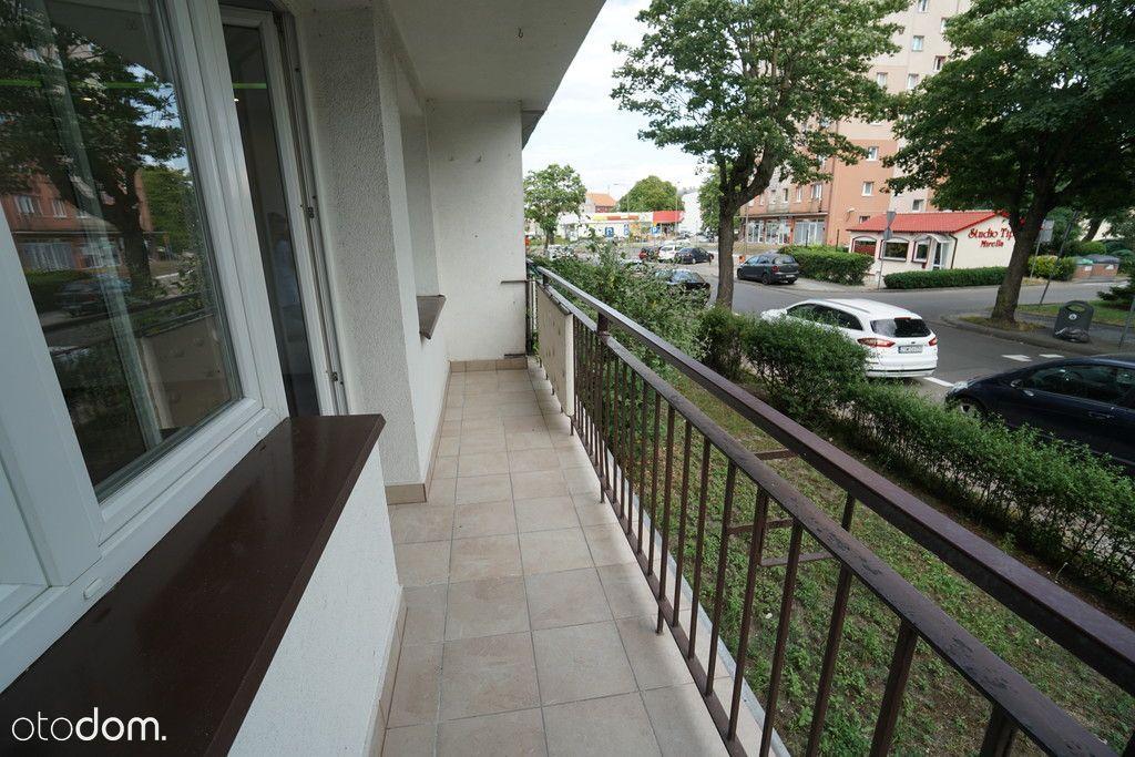 Trzypokojowe z balkonem, parter, centrum miasta