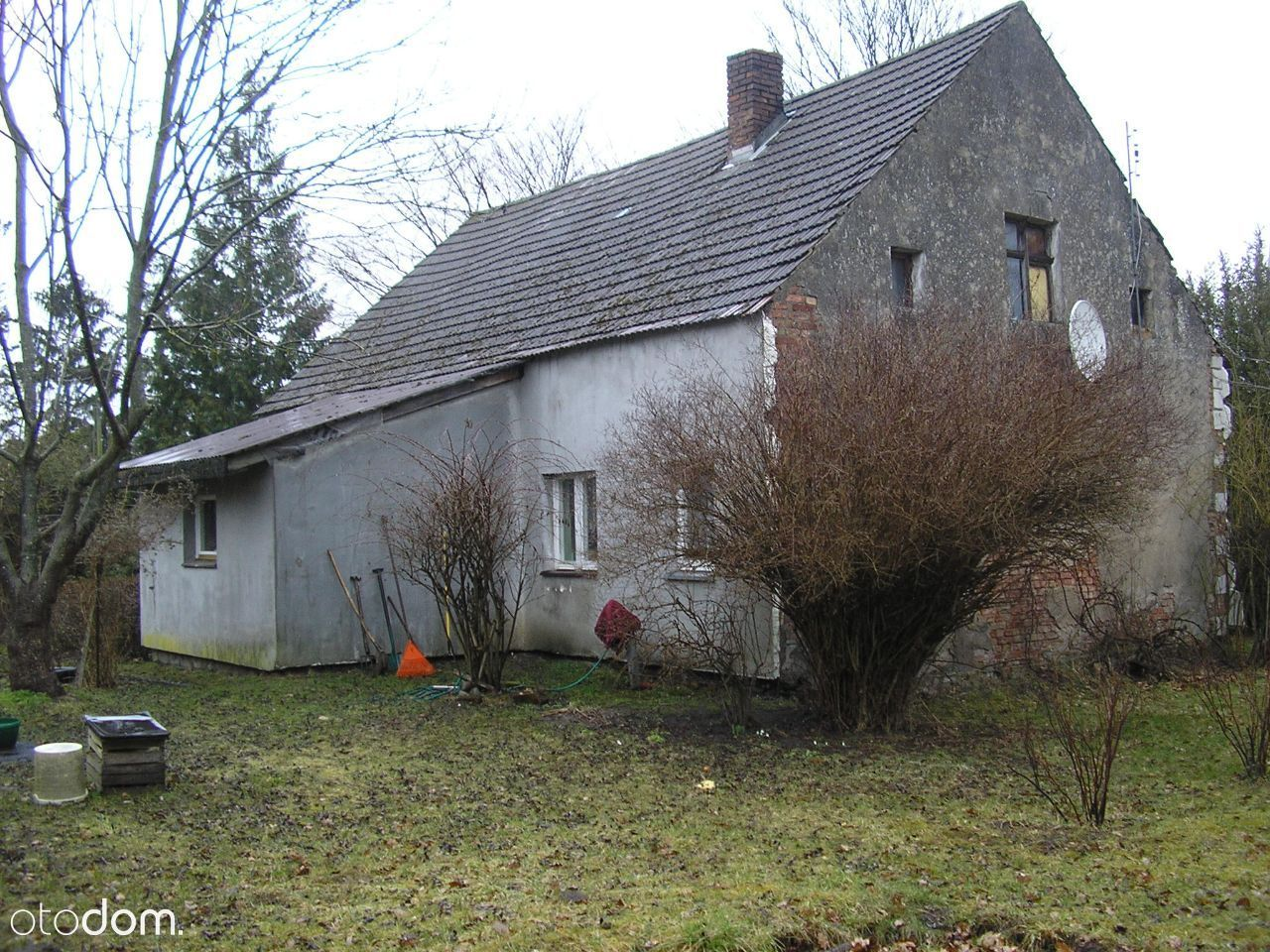 Dom po remoncie blisko miasta na dużej działce