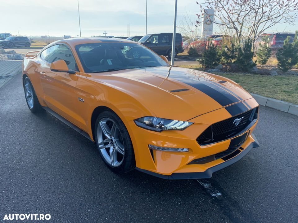 Ford Mustang - 4