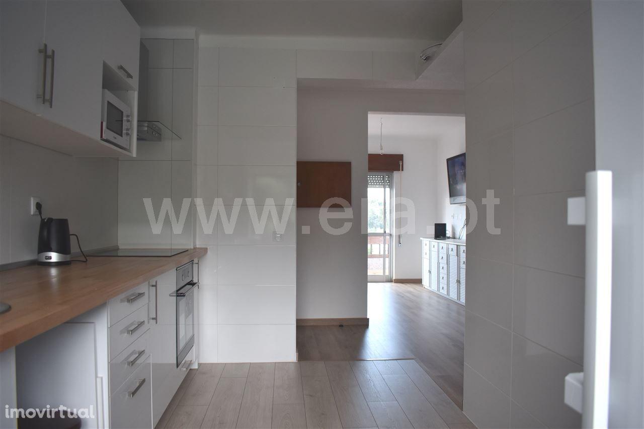 Apartamento renovado 2 quartos, Santiago do Cacém