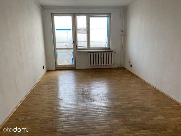 3 pokojowe mieszkanie w niskim bloku