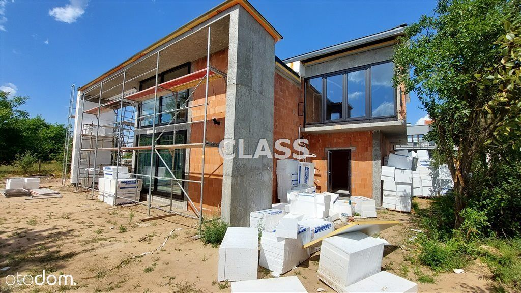 Dom, 270 m², Niemcz